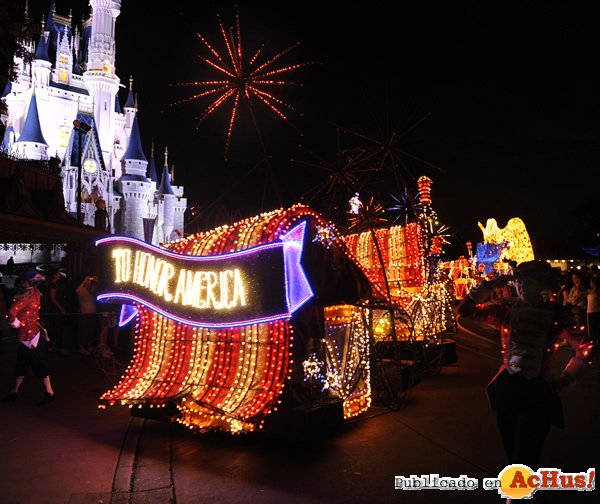 Foto de la noticia /public/fotos2/Electrical-Parade-0206062010.jpg