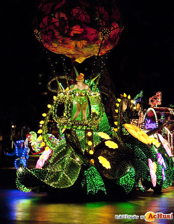 Foto de la noticia /public/fotos2/Main-Street-Electrical-Parade-Lights-01-14022010.jpg