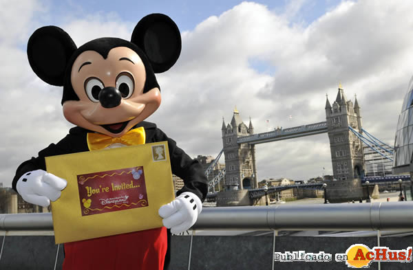 Foto de la noticia /public/fotos2/Mickey-Mouse- Tower-Bridge.jpg