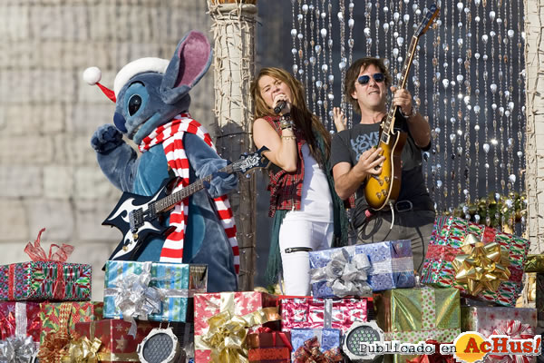 Foto de la noticia /public/fotos2/Miley-Cyrus-14122008.jpg