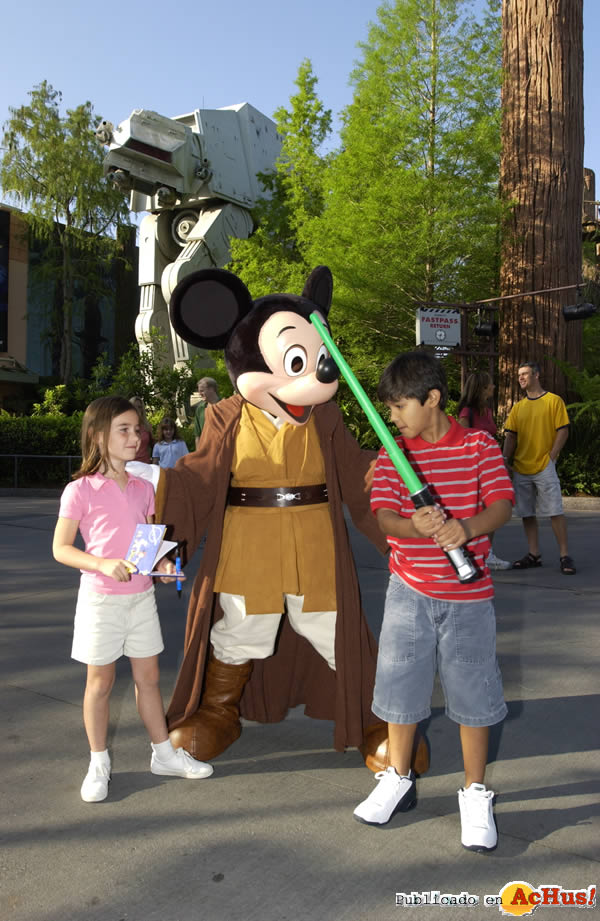Foto de la noticia /public/fotos2/Star-Wars-Weekends-01-29042009.jpg