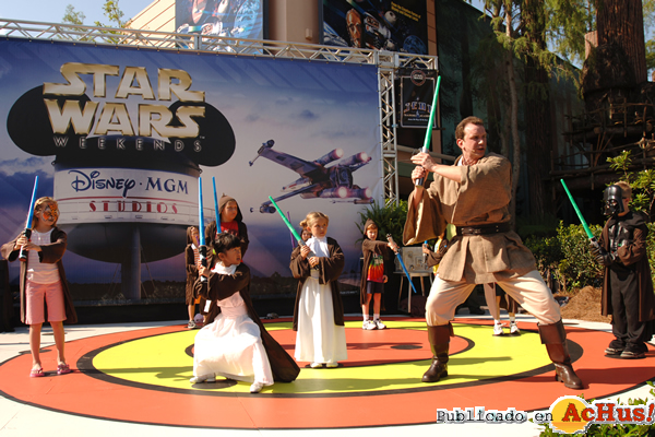Foto de la noticia /public/fotos2/Star-Wars-Weekends-02-29042009.jpg
