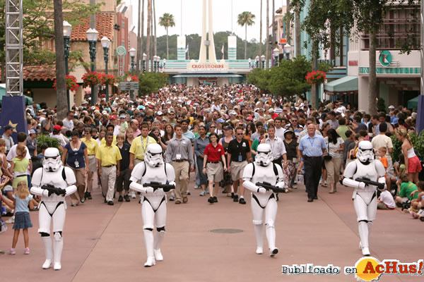 Foto de la noticia /public/fotos2/Star-Wars-Weekends-03-29042009.jpg